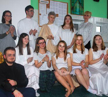 Młodzi z Akademii Młodzieżowej ewangelizują teatrem